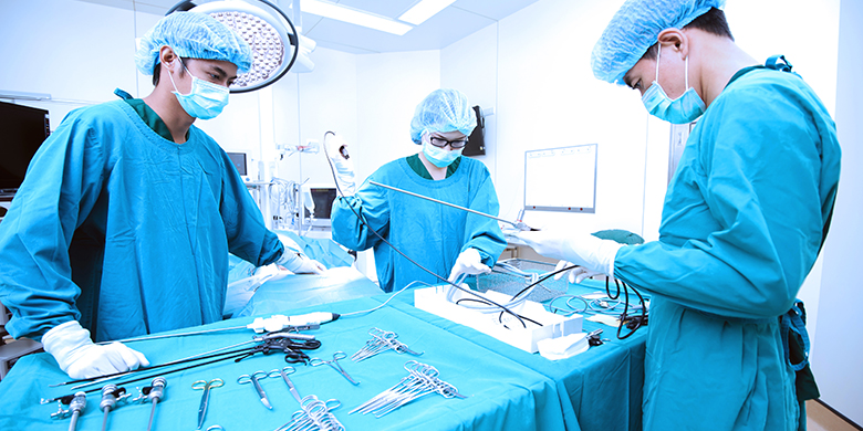 surgical technicians in operation room
