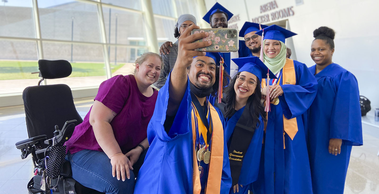 group photo of Dallas College graduates