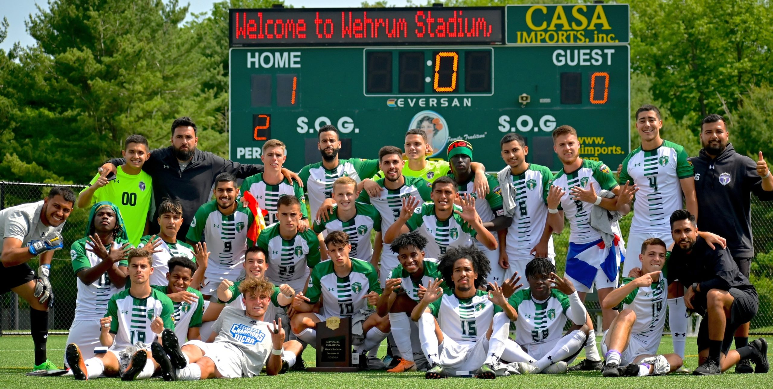 Team photo of the Richland Thunderducks after winning the 2021 national soccer championship